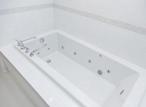 Choice of Bath Tubes